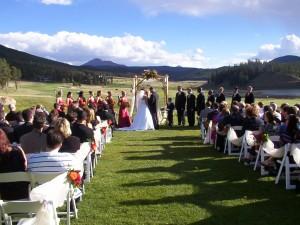 Jak prawnie zorganizować ślub w ogrodach lub miejscach zabytkowych