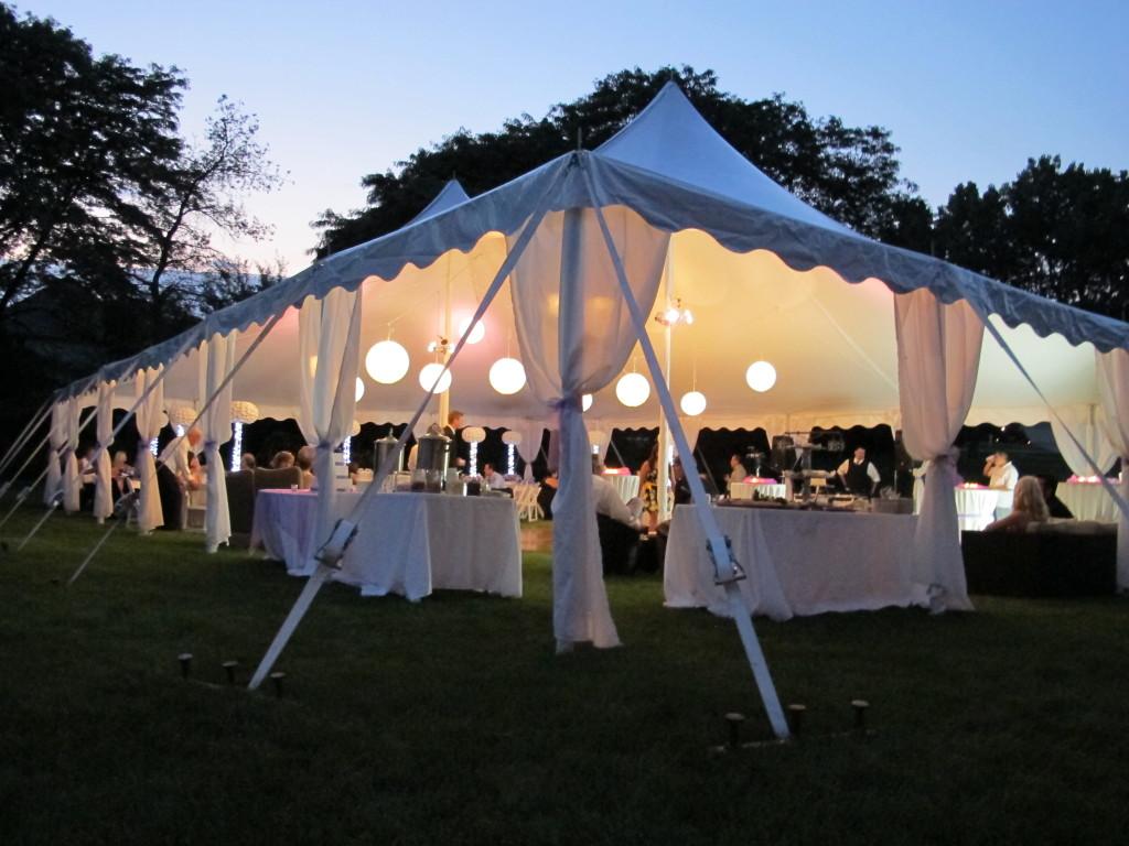 Namiot hala namiotowa