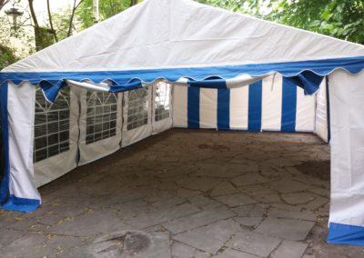 Namiot 5x8 biało niebieski wejscie
